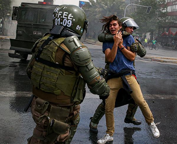 6 Ekim haftasında protestocular ve polis arasındaki çatışmalar 308 kişinin tutuklandığı ve 167 kişinin yaralandığını bildirdi